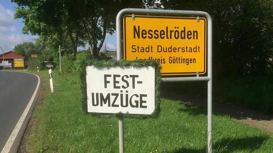 Festumzug in Nesselröden zum Jubiläumsschützenfest 2017